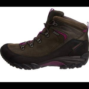 Merrell hiking boot women size 7